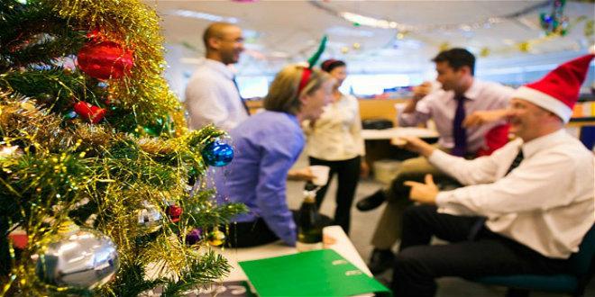 office-christmas-p_2746810b
